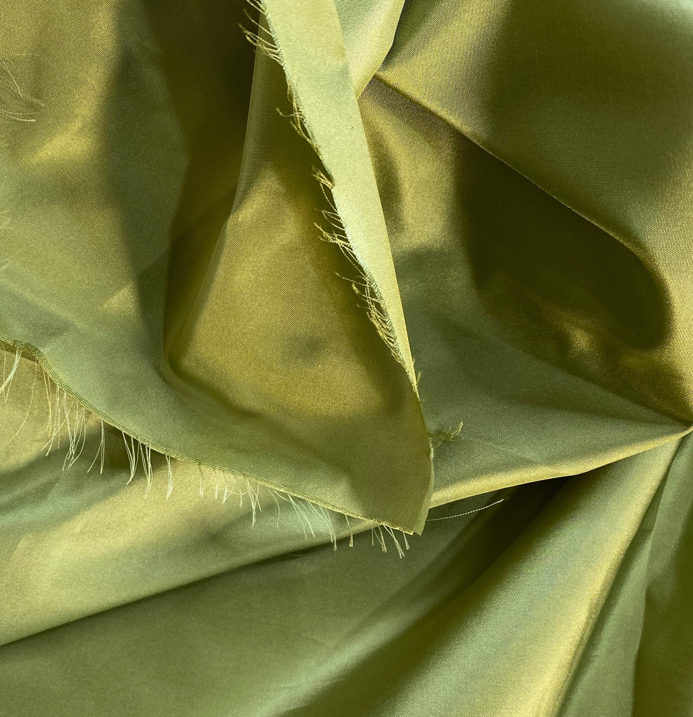 NEW Lady Lisa Designer 100% Silk Taffeta Fabric - Solid Pistachio Green
