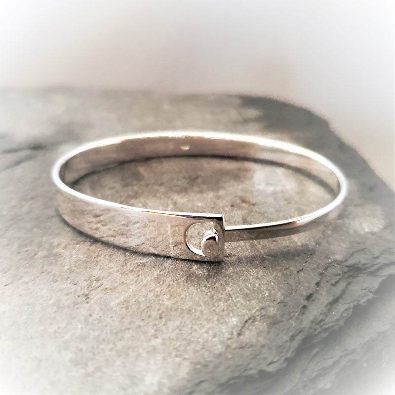 Silver Bangle With Cut Out Detail