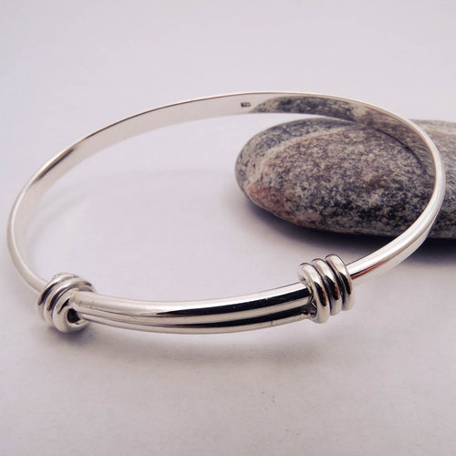 Adjustable Bangle Longer Detail