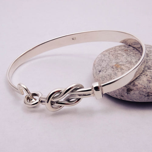 Knot Bangle with U Fastener