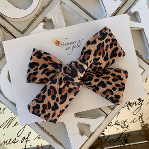 Leopard Oversized Bow (single or piggies)