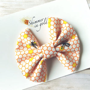 Beehive Pinch Bow