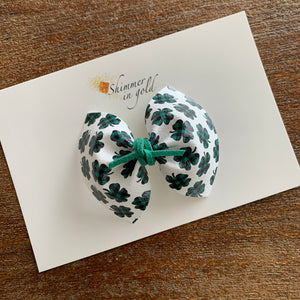 Gingham Clover Pinch Bow