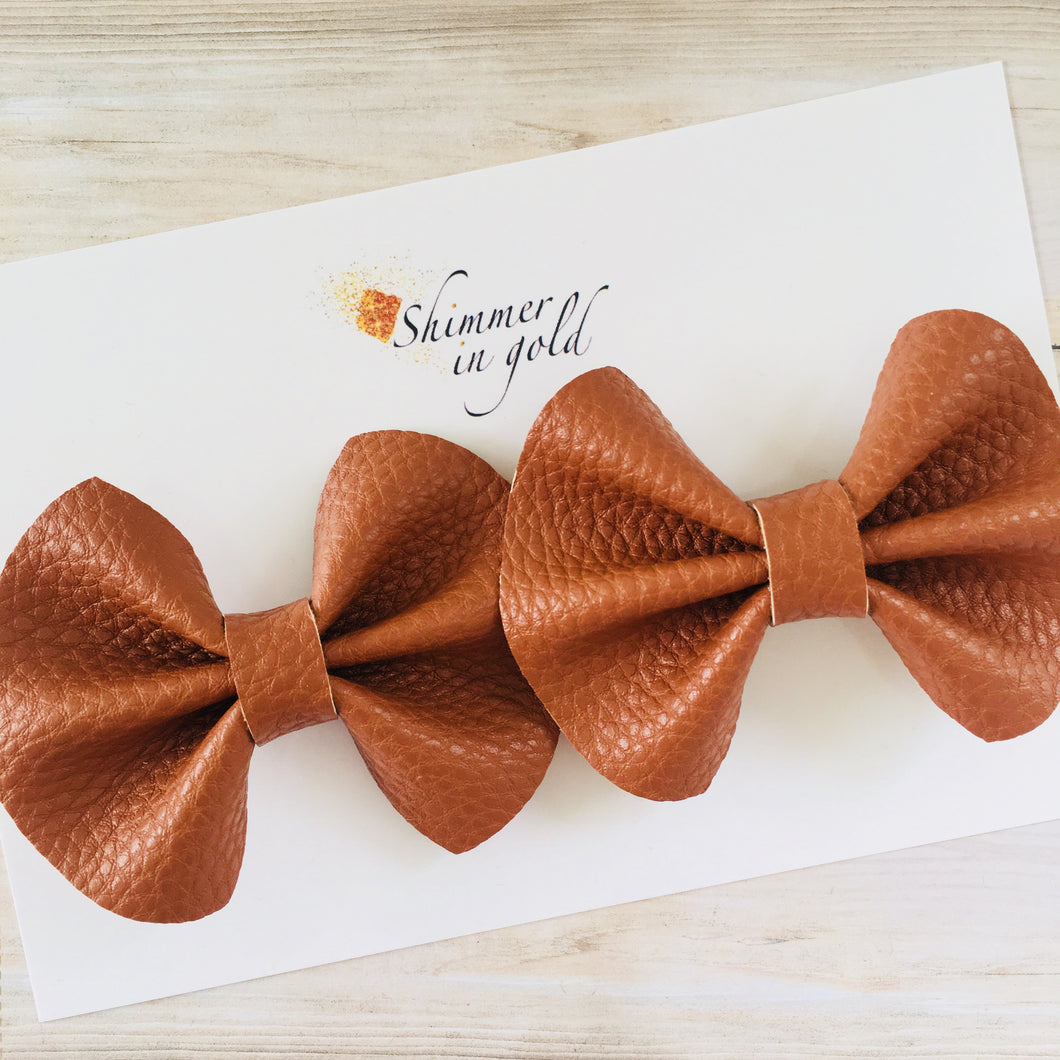 Chestnut Pinch Pig Tail Bows