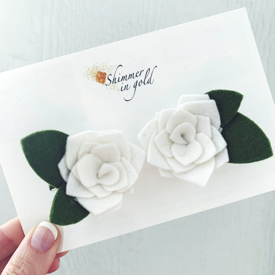 White Roses Pig Tail Bows