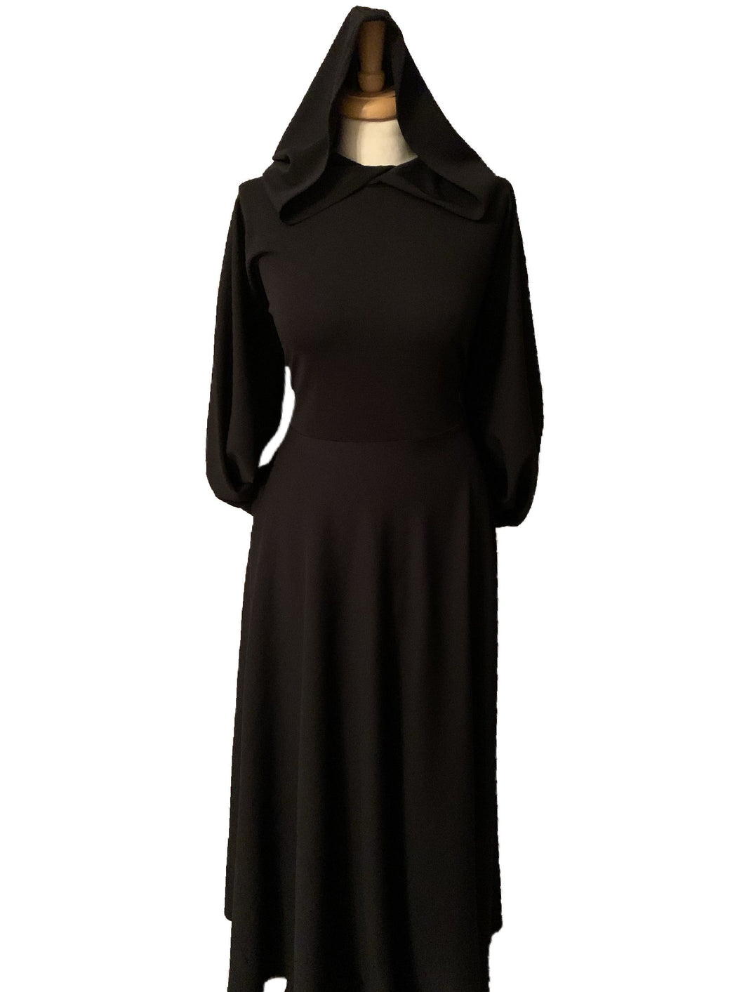 The Haya hooded Dress