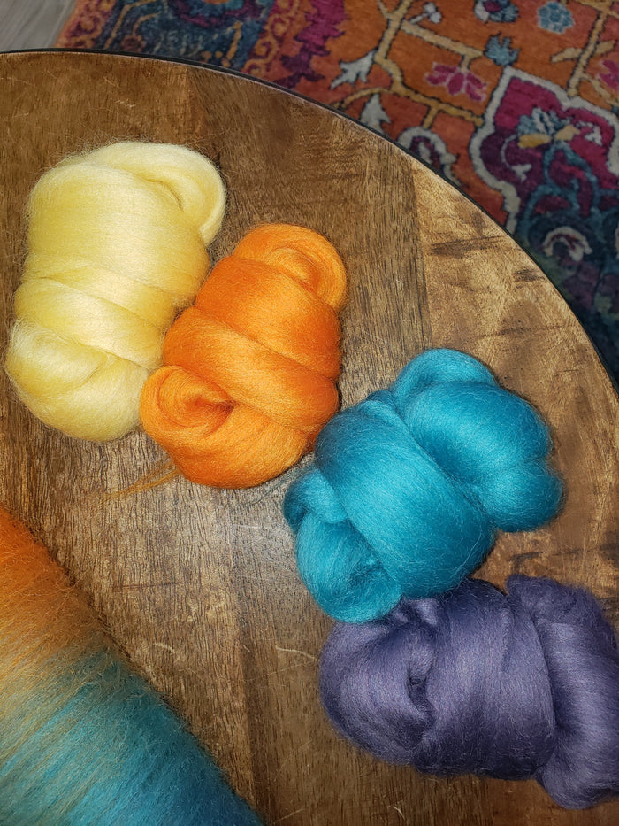 MAHARAJAH Corriedale carding kit of fractal yarn kit - 3 ouncdes