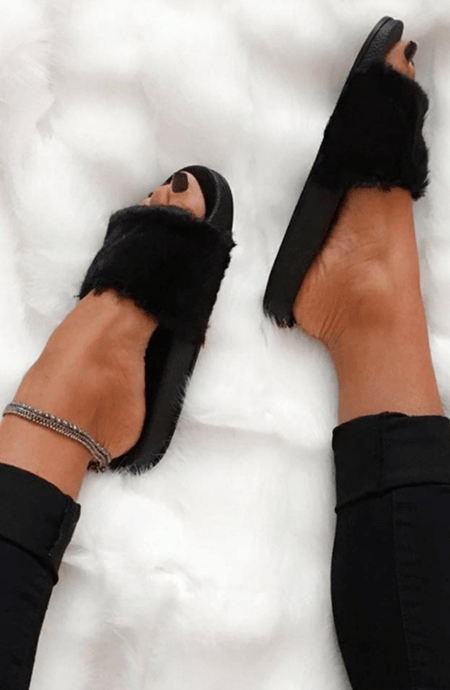 BLACK FAUX FUR SUPER-SOFT SLIDERS