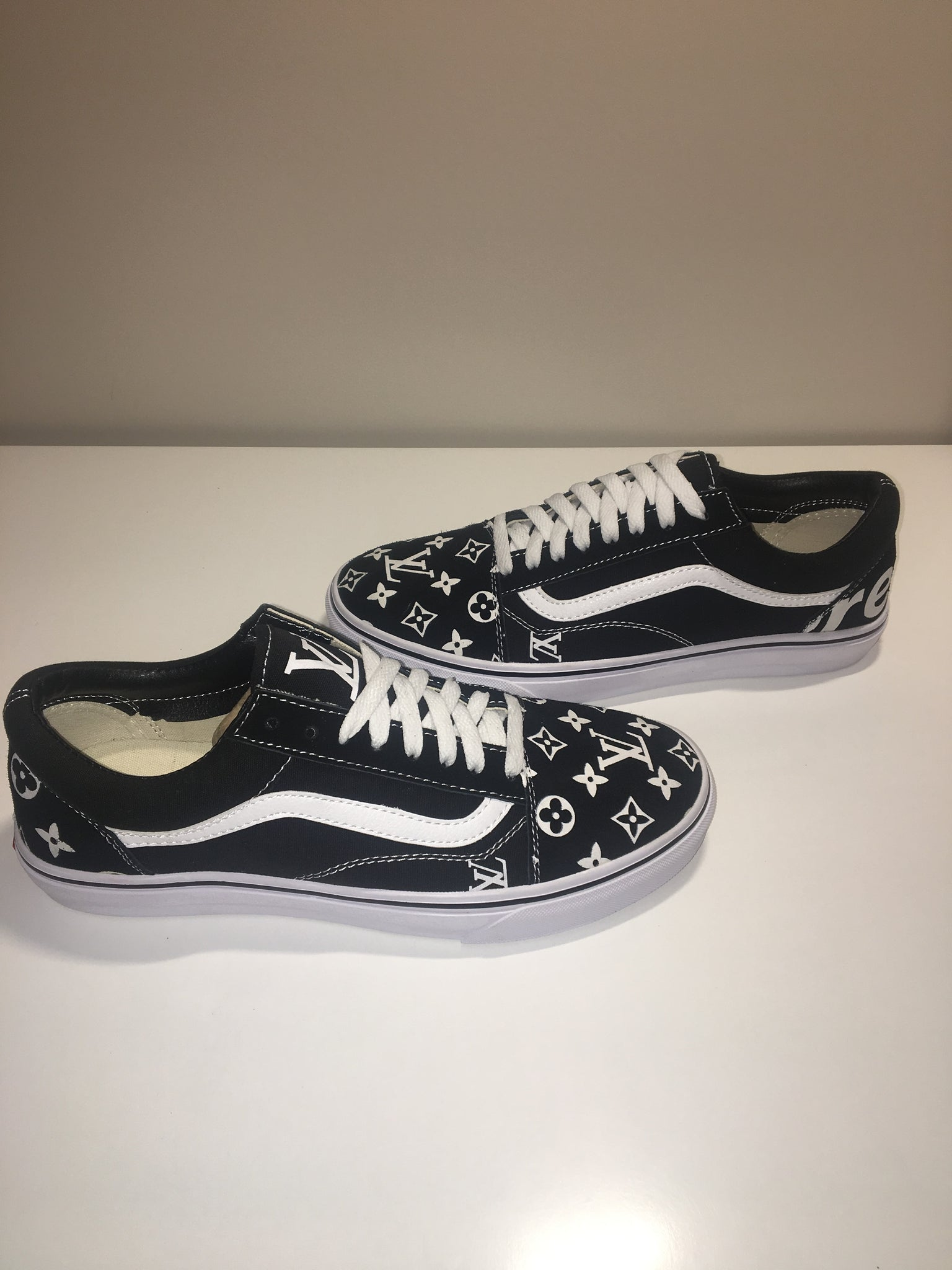 Vans Old Skool X Supreme LV