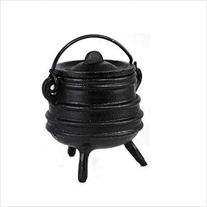 Ribbed cast iron cauldron - Gifteee. Find cool & unique gifts for men, women and kids