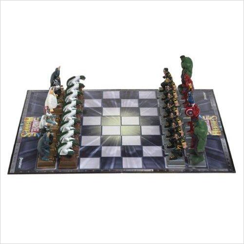 Marvel Heroes Chess Set - Find unique gifts for superhero fans, the avengers, DC, marvel fans all super villians and super heroes gift ideas, games collectibles and gadgets at Gifteee Cool gifts, Unique Gifts for comic book fans
