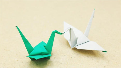 Origami Paper crafts - Elementary Online Course - Find unique online courses to pass the time while in self isolation staying at home, learn a new craft, find a new hobby at Gifteee Cool gifts, Unique Online Courses a great gift idea