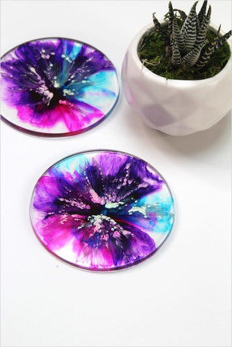 Alcohol Ink and Resin DIY Projects Drink Coasters and Knobs! (Online Course) - Find unique online courses to pass the time while in self isolation staying at home, learn a new craft, find a new hobby at Gifteee Cool gifts, Unique Online Courses a great gift idea
