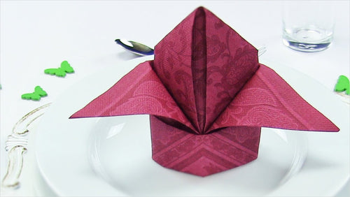 Art of folding napkins (Online Course) - Find unique online courses to pass the time while in self isolation staying at home, learn a new craft, find a new hobby at Gifteee Cool gifts, Unique Online Courses a great gift idea