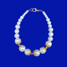 Load image into Gallery viewer, gold accented white pearl bracelet, gold and white