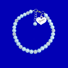 Load image into Gallery viewer, handmade Gran pearl and crystal charm bracelet