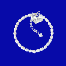 Load image into Gallery viewer, handmade big sister fresh water pearl charm bracelet