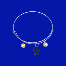 Load image into Gallery viewer, handmade starfish pearl expandable charm bracelet, custom color