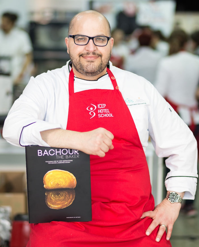 "Cartea ""Bachour The Baker"" by Antonio Bachour"