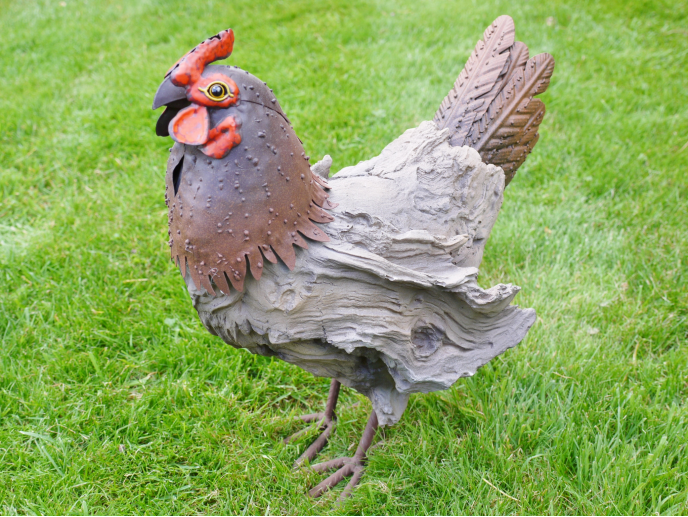 Wood-Effect Hen