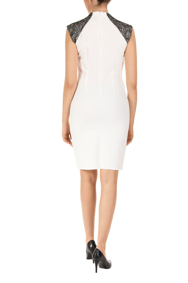 Akito White Sleeveless Shift Dress