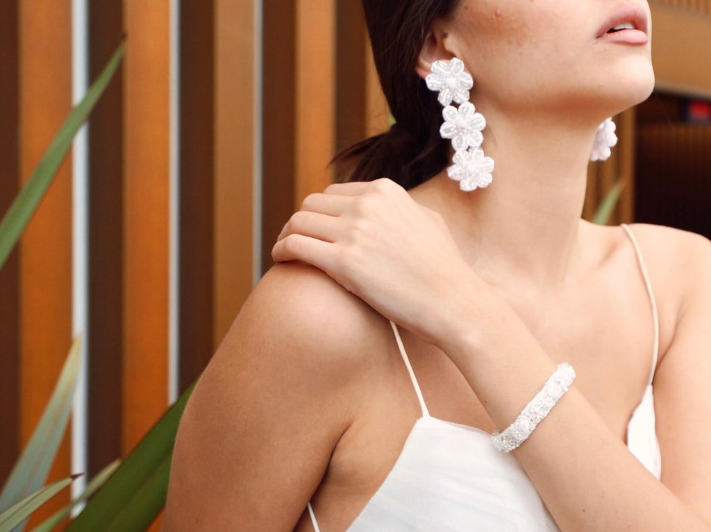 Duru Earrings | White
