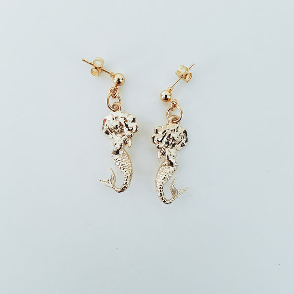 Mami Mermaid Studs