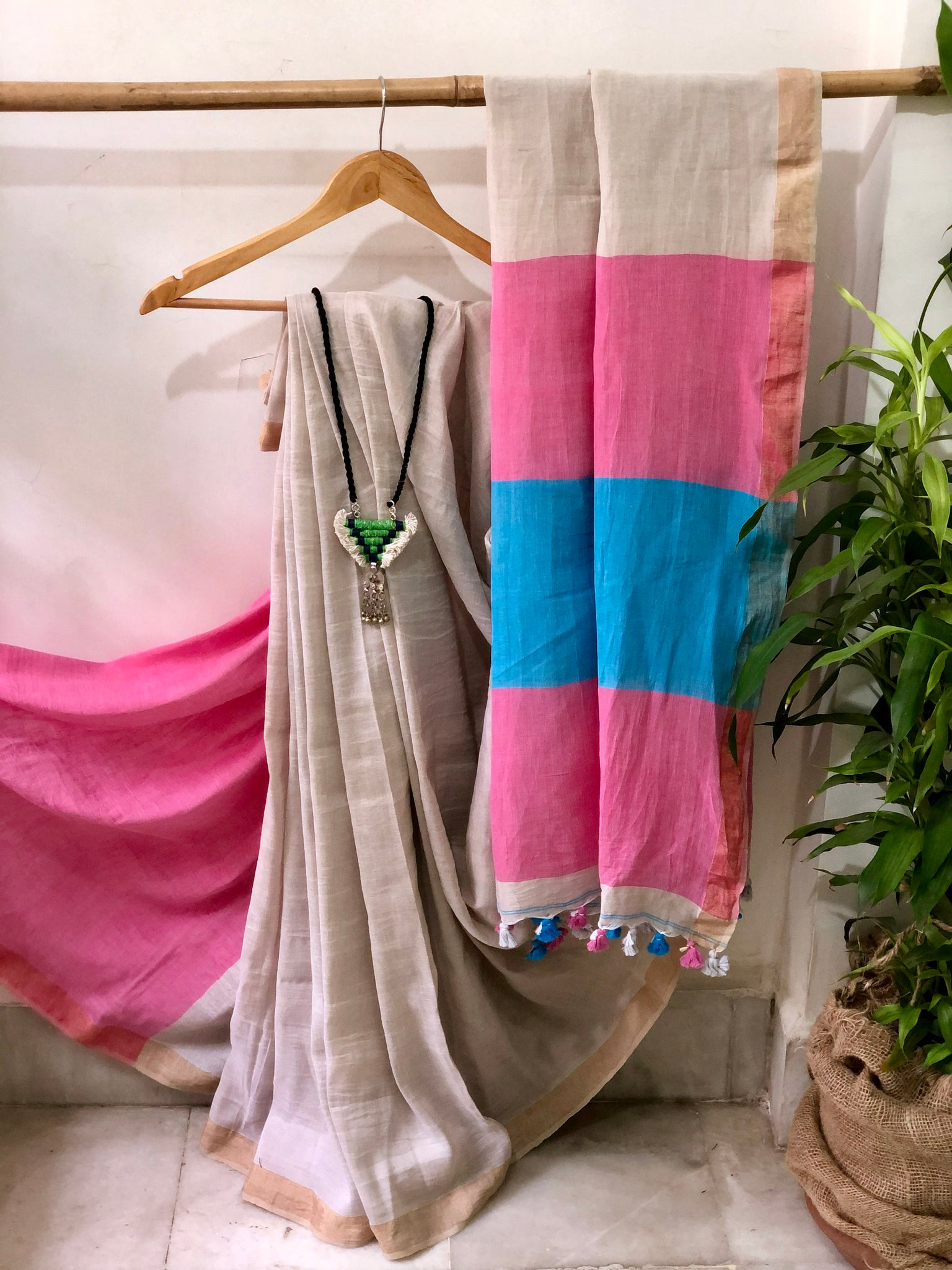 Handwoven Cotton linen Saree - Chikoo