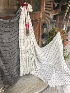 Daisy - Handwoven Cotton Linen saree
