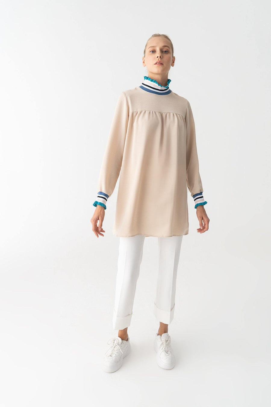 Tunic With Neckband