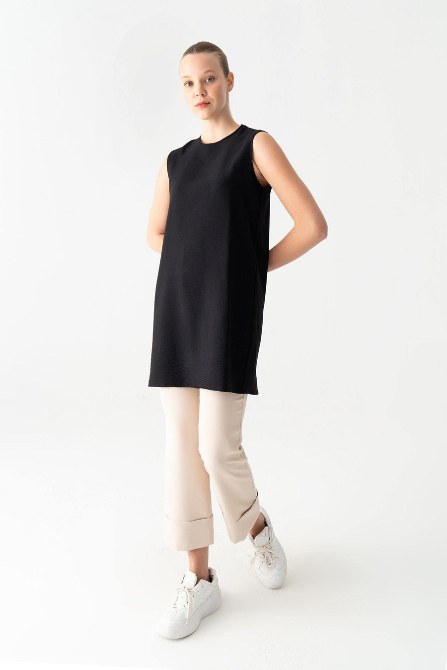 Sleeveless Basic Tunic