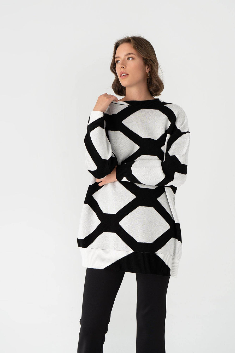 Net Pattern Sweater