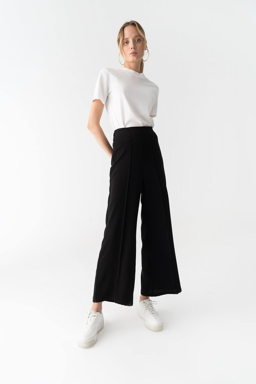 Golden Cut Crepe Trousers
