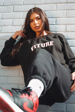OVERSIZED CROPPED SWEATSHIRT - VARSITY FITURE - BLACK