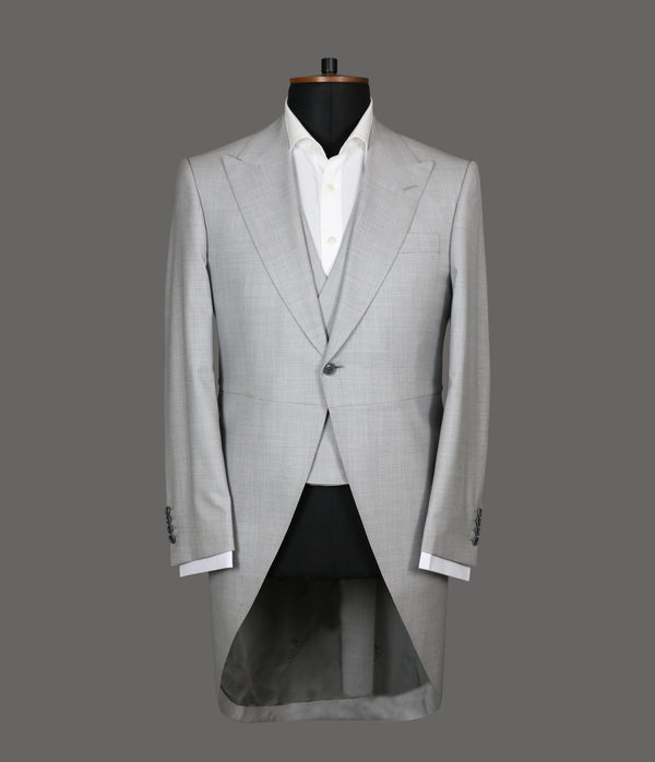 LUT084<br>Light Grey 3 Piece Suit<br>8829