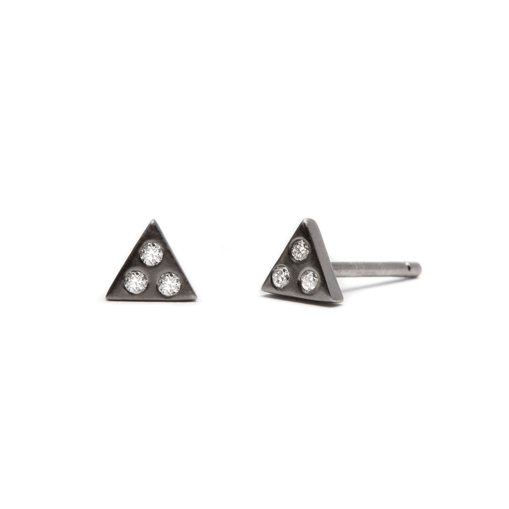 Izzy - Earring - Black Rhodium Satin - Diamond - Stud - Single - Louise Varberg Jewellery