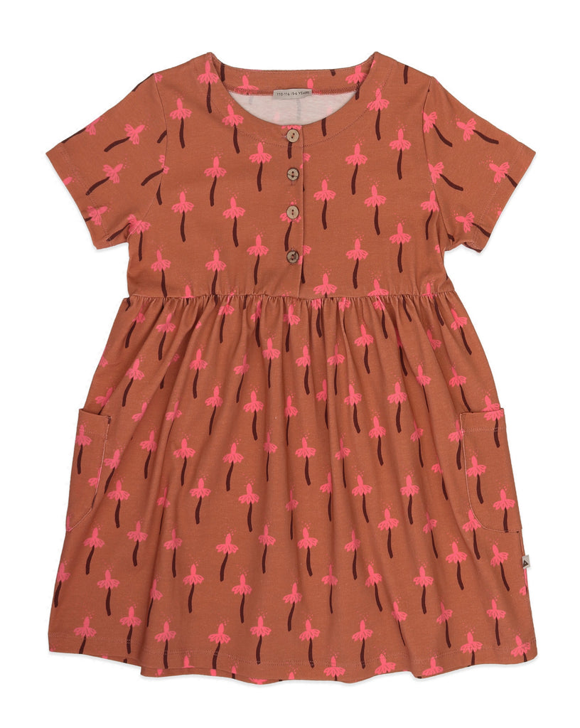 Ammehoela dress made in the EU with 95% organic cotton. Features buttons at the front and two pockets. Fit: loose A-shaped dress, fit is true to size.