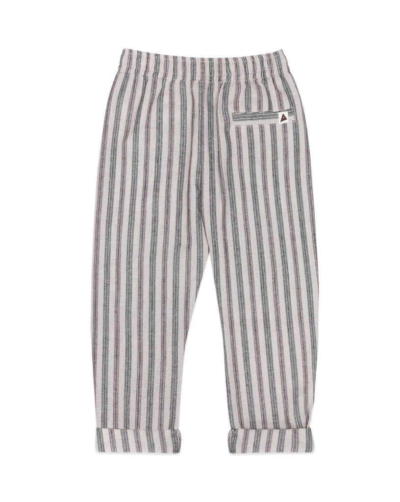 Ammehoela pants, perfect for warm weather. Ethically made in the EU. Gender neutral. Fit's true to size. Quality: 15% Linen / 35% Cotton / 50% Polyester. Black.