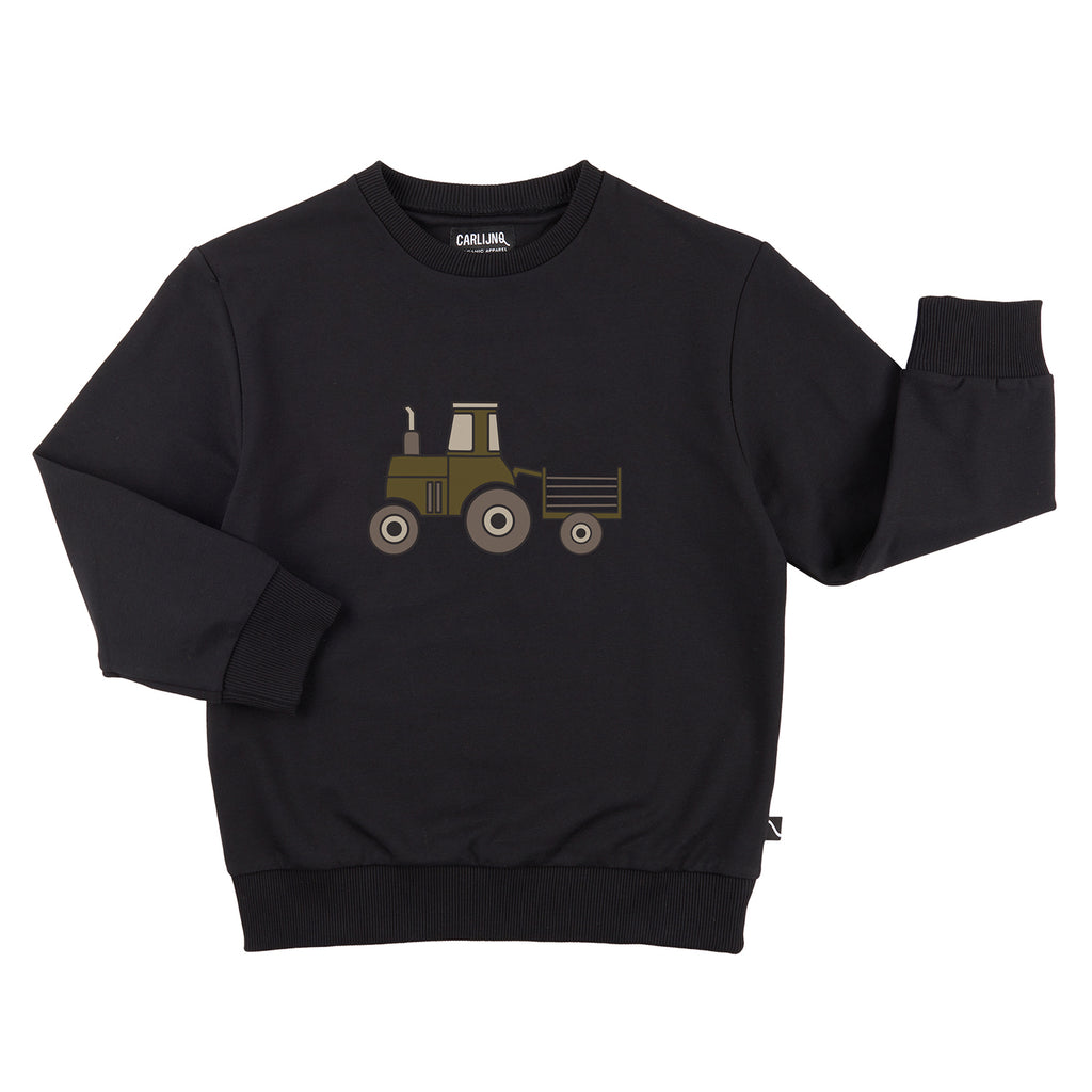 CarlijnQ tractor sweatshirt in black. 95% GOTS organic cotton, 5% Elastane Black tractor sweatshirt. Comfortable with a big tractor print on the front.