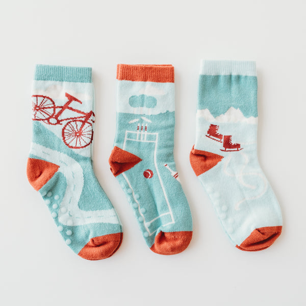 Kids mismatched socks made of 100% organic combed cotton.