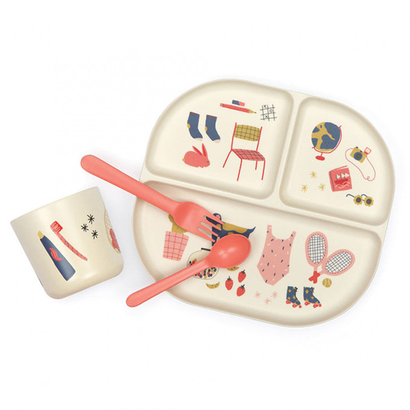 Ekobo Kids dinner set made of bamboo. With illustrations by Jennifer Bouron on the plate and cup.