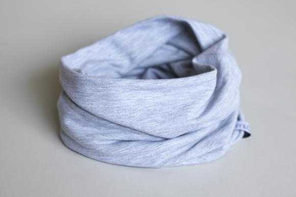 Kids infinity kids scarf in grey made of double lined organic bamboo cotton.