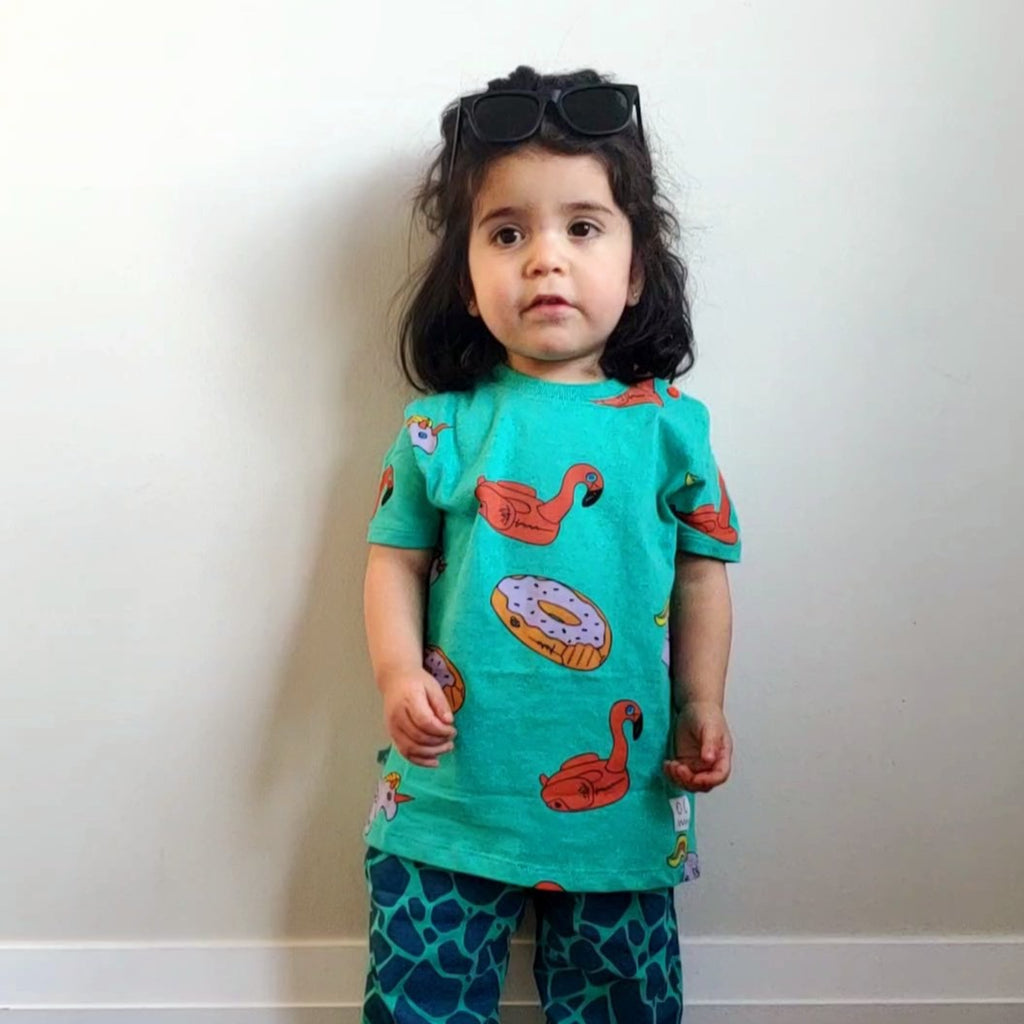 Indikidual donut t-shirt, ethically made in India with 100% organic cotton. Sizes up to 3Y come with buttons at the neck.
