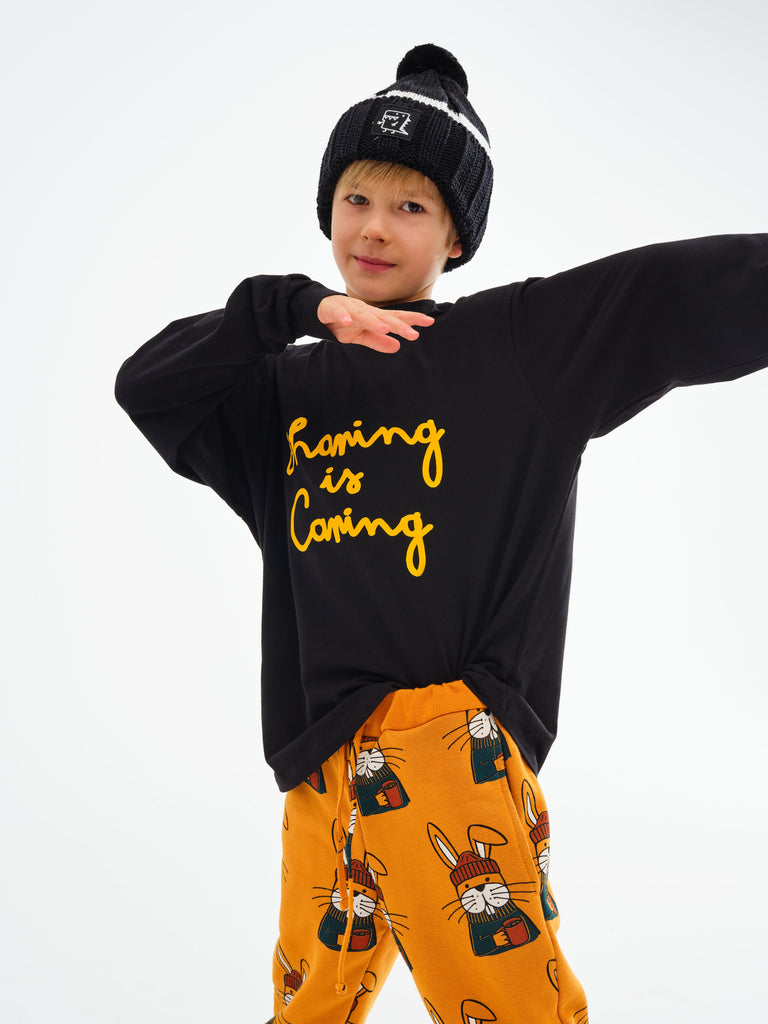 Kukukid Honey Bee Rabbit Pants. Classic shape two pockets top and bottom welts, composed of 80% cotton and 20% polyester with a certificate OEKO TEX STANDARD 100 fleecy, made in Poland.