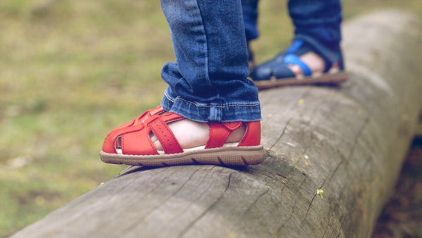 Kids Sandals with Velcro in Red