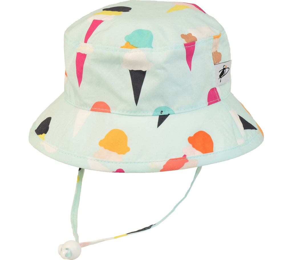 This Puffin Gear® fabulous children's sun protection hat has it all! UPF 50+ Sun Protection Made in Canada with 100% cotton. Ice Cream print.