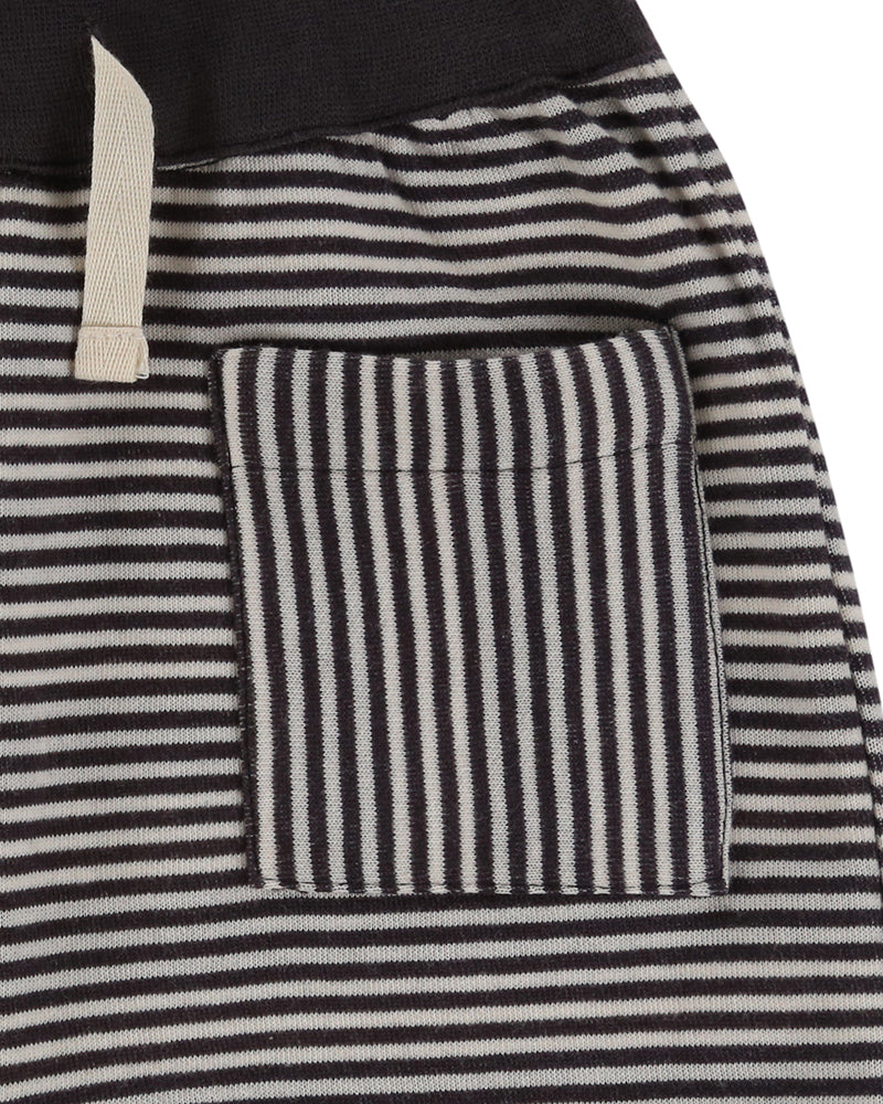 Turtledove London Reversible Jersey Stripe Shorts. Made ethically in India with 100% GOTS certified organic cotton. Features one front pocket on one of the sides. Pocket close up.
