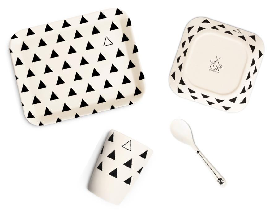 Young Lux bamboo tableware set for kids, with diamond print. Four pieces.