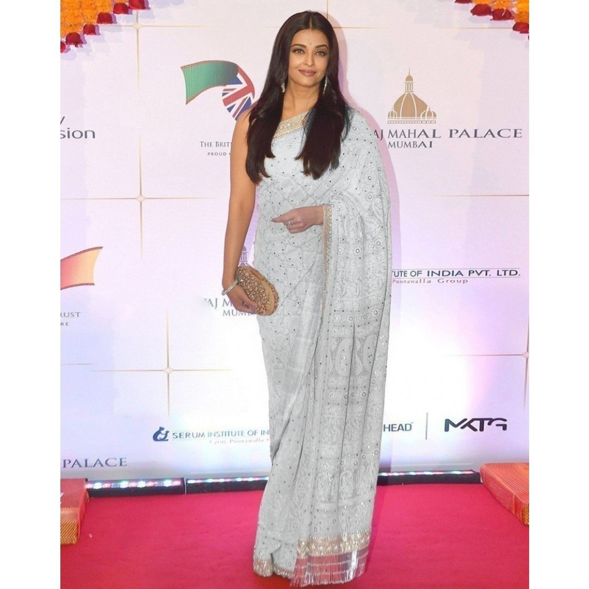 Aishwarya Rai Georgette Machine Work Off-White Bollywood Designer Saree