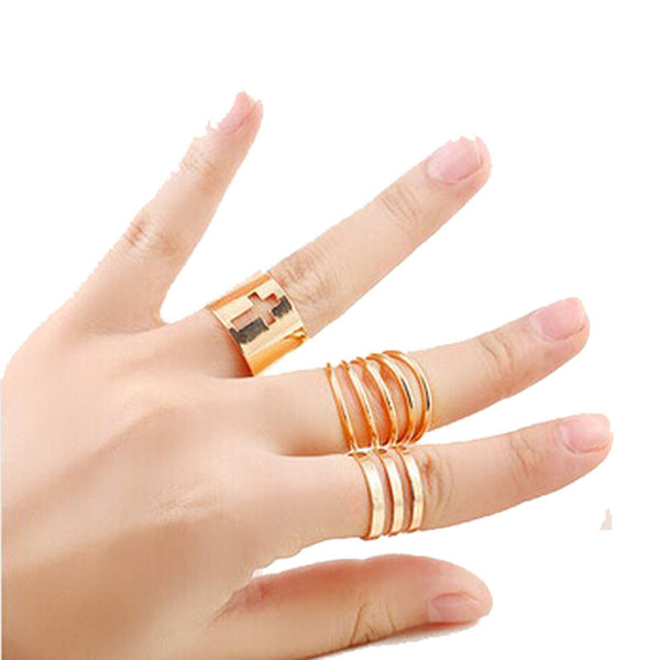 Adjustable size hollow ring set